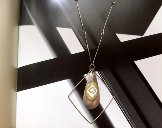 Home 1 Collier vintage 70's